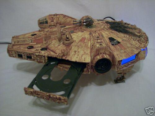 高度修改过的Xbox……看起来有点像星球大战的飞船?